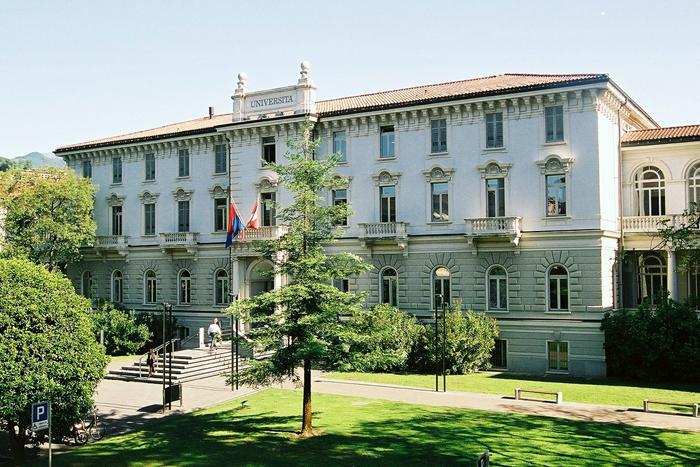 Das Hauptgebäude der USI